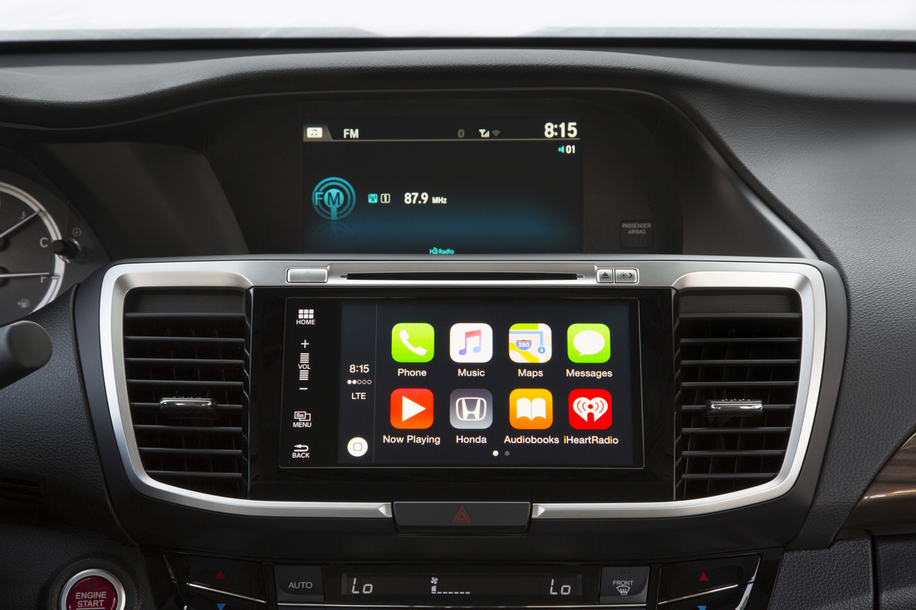 honda launches 2017 accord with apple carplay option. Black Bedroom Furniture Sets. Home Design Ideas
